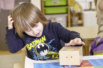 cubetto wooden coding robot, child, school, how to teach kids computer