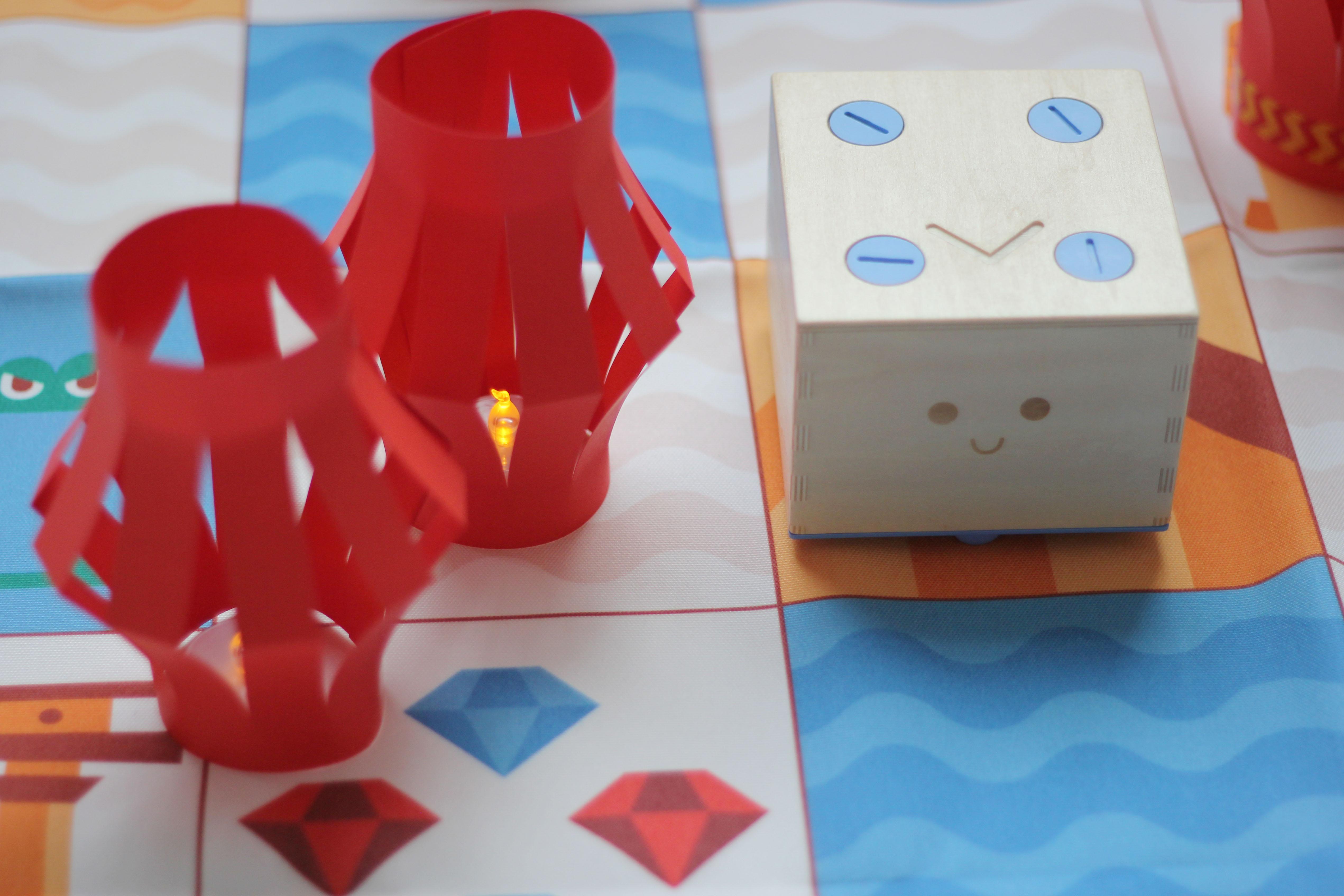 Activity | Build Chinese Lanterns